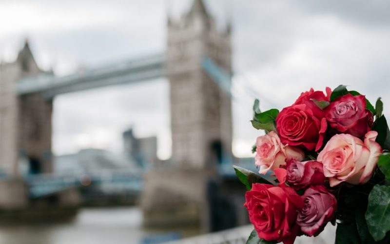 What flowers to add to your wedding anniversary celebration?